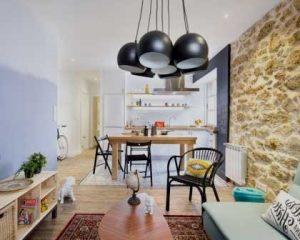 Diseño de interiores pared de piedra